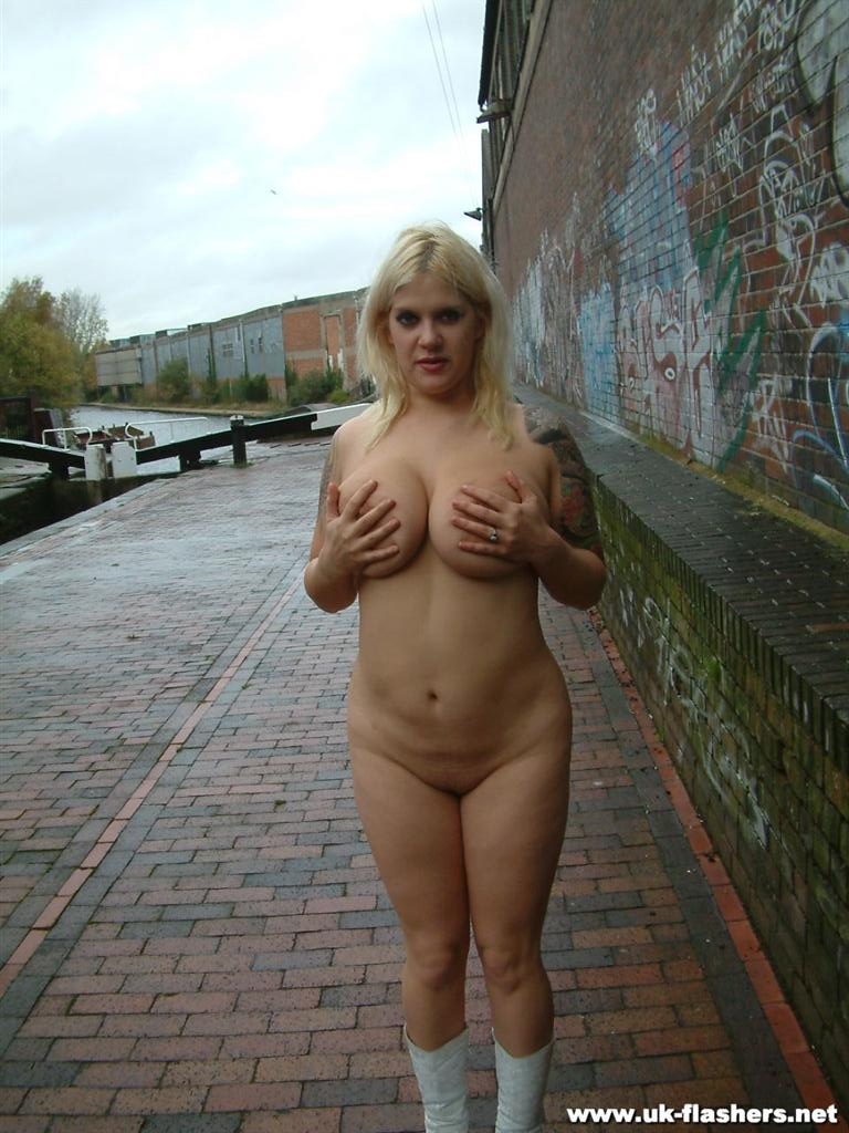 Nude public girl using